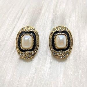 Jewelry - Pearl & Crystal Earrings
